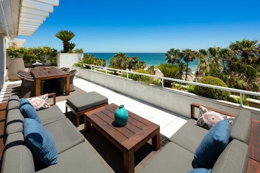Beachfront duplex penthouse for sale in Puerto Banús, Marbella