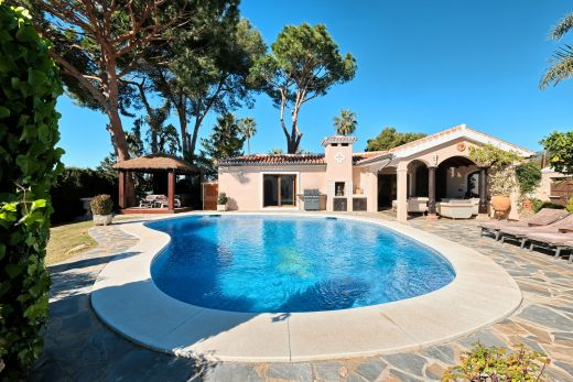 Mediterranean villa with sea views for sale in Elviria, Marbella East