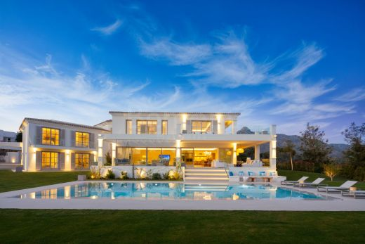 Luxury front line golf villa with sea views for sale in Nueva Andalucia, Marbella