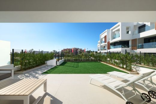 Groundfloor apartment with see views for sale in Cancelada - Marbella West
