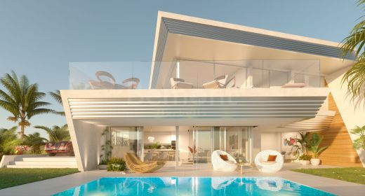 Modern town house for sale in Marbella East with golf and sea views