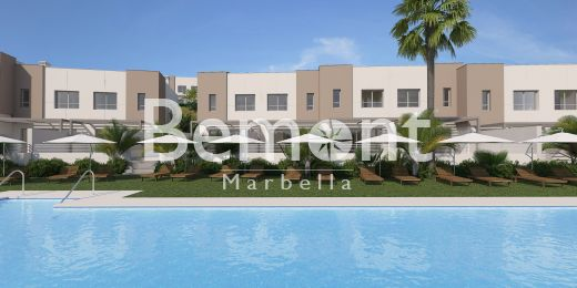 Modern frontline golf townhouses for sale in Marbella East