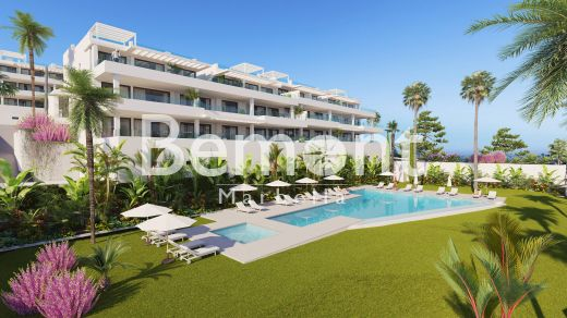 Modern apartments with panoramic sea views for sale in Marbella West
