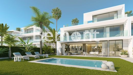 5 bedroom modern town house for sale in Sotogrande