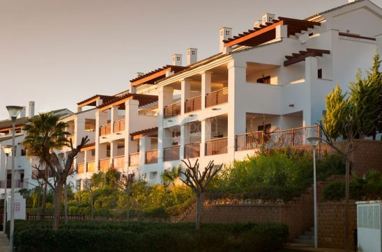Nueva Alcaidesa, spacious apartments beside the golf course in the lovely Alcaidesa area
