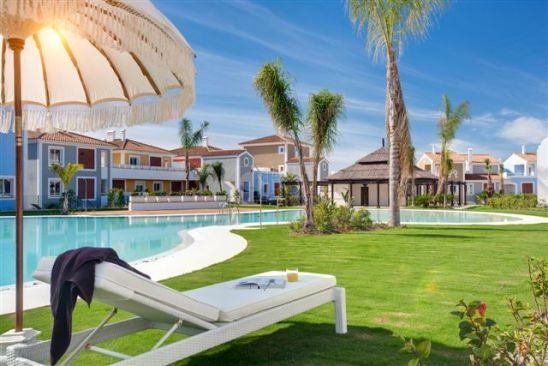 Apartamento en venta en Cortijo del Mar, Estepona