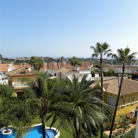 Apartamento en venta en New Golden Mile, Estepona