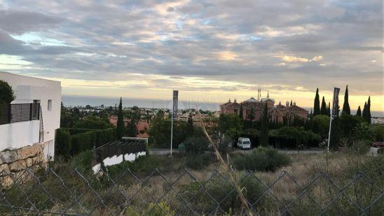 Plot for sale in New Golden Mile, Estepona
