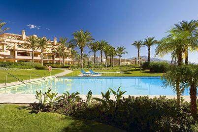 Apartamento Planta Baja en venta en Los Flamingos Golf, Benahavis