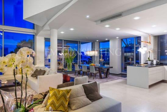 Modern design, luxurious 2 storey ApartmentVillas, Sierra Blanca, Marbella