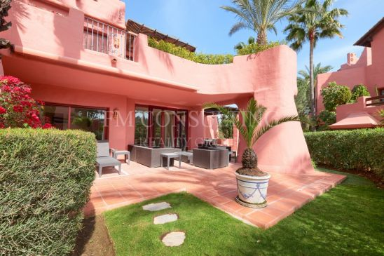 Apartamento Planta Baja en venta en Menara Beach, Estepona
