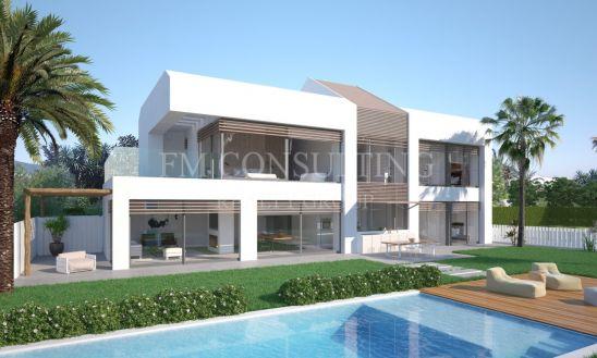 Villa en venta en El Saladillo, Estepona