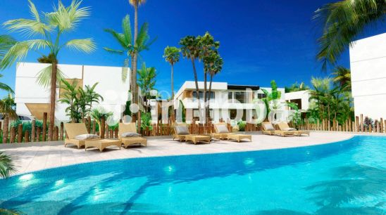 28 Luxury Townhouses walking distance to Puerto Banus
