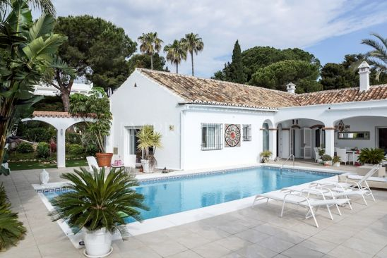 Beautifully renovated cortijo with walking distance to the beach