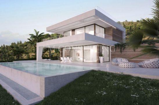 Villa en venta en La Resina Golf, Estepona