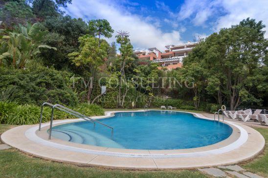 Apartamento en venta en La Quinta Golf, Benahavis