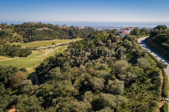 Front line Golf plot in La Zagaleta