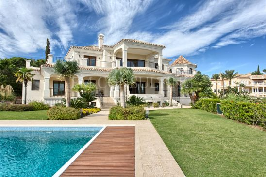 Villa en venta en Paraiso Alto, Benahavis