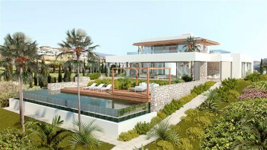 Fascinante Villa Moderna en la Primera Línea de Golf con Vistas