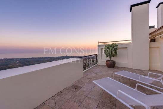 Duplex Penthouse à vendre à Los Monteros Hill Club, Marbella Est