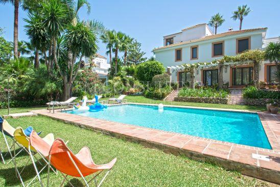 Villa Jumelée à vendre à Nueva Andalucia, Marbella