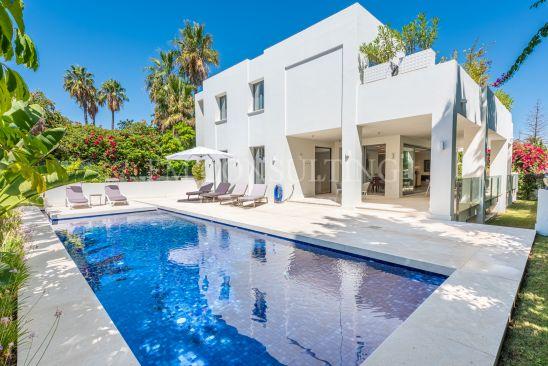 Villa à vendre à Cortijo Blanco, San Pedro de Alcantara