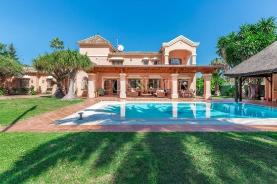 Stunning Villa next to the Golf Course
