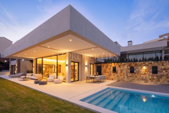 Luxury villa in prime position