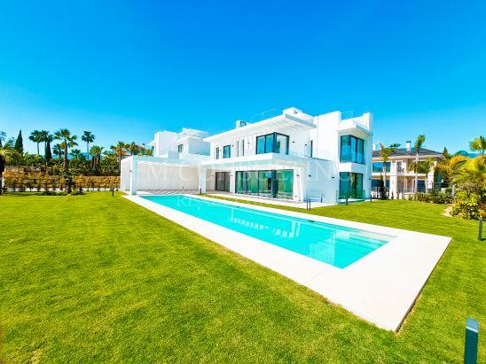 Una Villa Espectacular dentro de campo de golf Los Flamingos