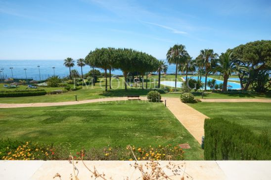 Apartamento en venta en Cabopino, Marbella Este