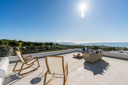 25 viviendas con vistas al Mediterraneo. Gozarás de todas las comodidades quemerece un estilo de vida exclusivo en un entorno natural de ensueño.