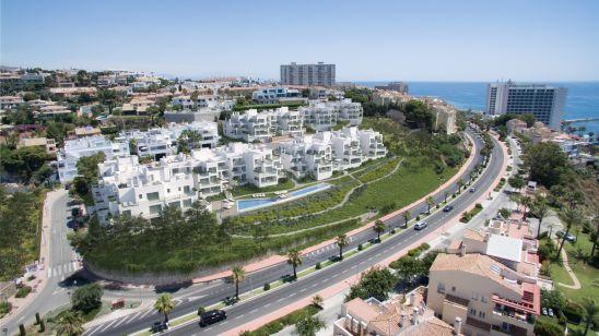90 viviendas en estilo contemporáneo con excelentes calidades y acabados y laplaya a sus pies. Viviendas de 1, 2 y 3 dormitorios con amplias terrazas yespacios acristalados que le ofrecen espectaculares vistas ininterrumpidas delmar.