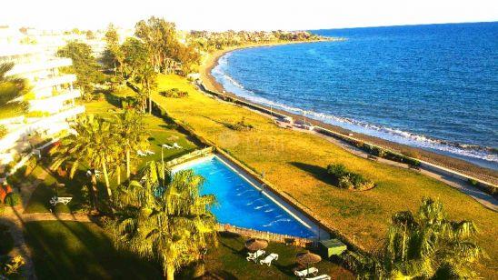 Atico Duplex en venta en Beach Side New Golden Mile, Estepona