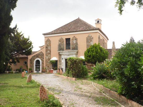 Villa en venta en Sabinillas, Manilva