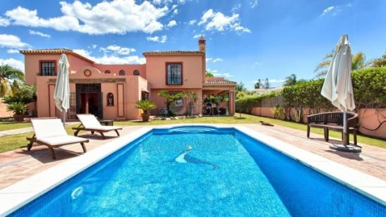Villa en venta en San Pedro de Alcantara