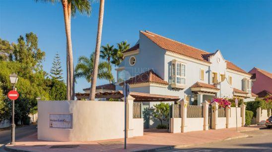 Villa Pareada en venta en San Pedro de Alcantara