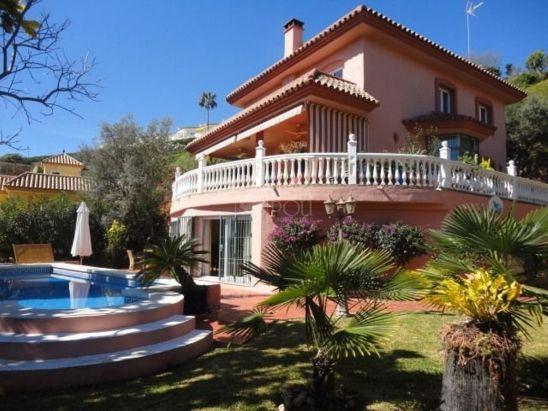 Villa en venta en Calahonda, Mijas Costa