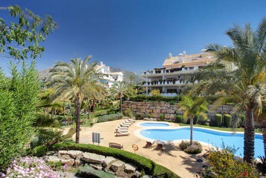 Apartamento en venta en Nagüeles, Marbella Golden Mile, Marbella