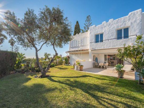 Adosado en venta en Nueva Andalucia, Marbella