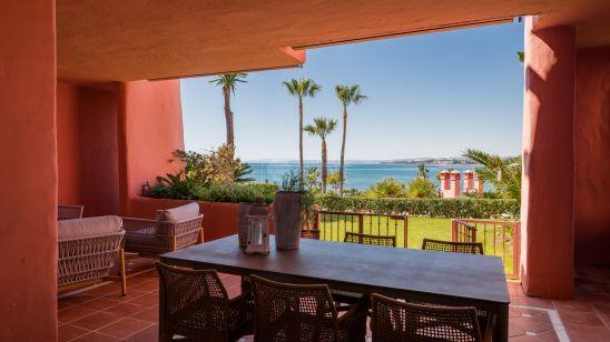 Apartamento Planta Baja en venta en Beach Side New Golden Mile, Estepona