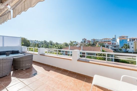 Atico en venta en New Golden Mile, Estepona