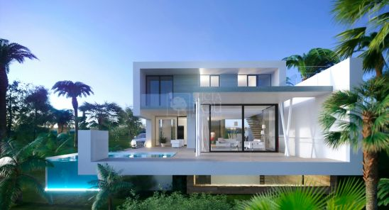 Villa en venta en New Golden Mile, Estepona
