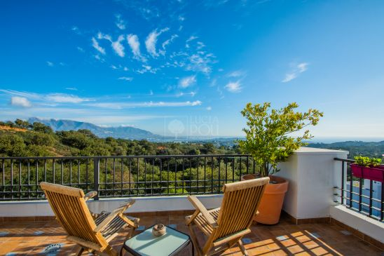 Penthouse for sale in Marbella East, Marbella