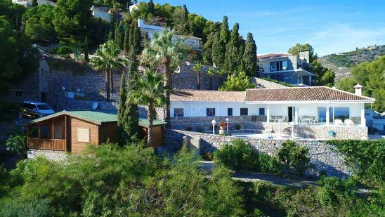 Villa en venta en Almuñecar
