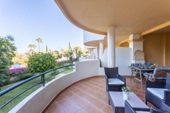 Duplex en venta en Nueva Andalucia, Marbella