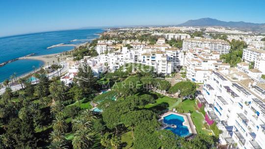 Marbella - Puerto Banus, 3 bedroom luxury apartment for sale in Casa Granada, Playas del Duque, Puerto Banus