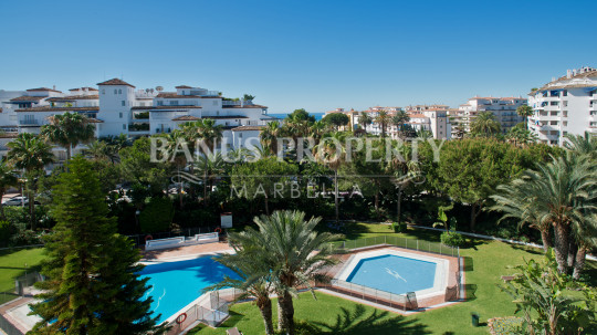 Marbella - Puerto Banus, 3 bedroom luxury apartment for sale in Las Gaviotas, Puerto Banus