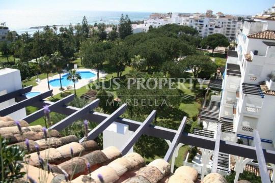 Marbella - Puerto Banus, 3 bedroom penthouse for sale in Playas del Duque Puerto Banus