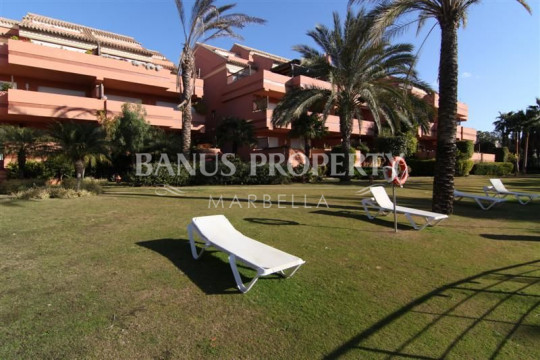 Marbella - Puerto Banus, Duplex penthouse near the beach for sale in El Embrujo Playa Puerto Banus