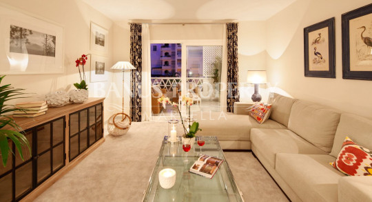 Marbella - Puerto Banus, Contemporary style luxury apartment for sale in Las Gaviotas Puerto Banus
